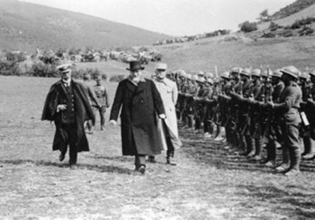giati oi symmaxoi poulisan thn ellada tou 1922 (2)